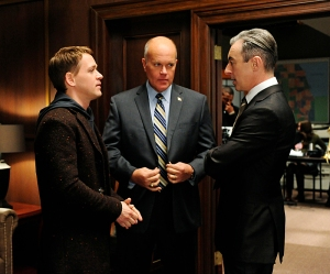 Democratic  strategist Frank Landau (Mike Pniewski, center) forces Eli (Alan Cumming, right) to work with Jordan Karahalios (T.R. Knight, left) a savvy campaign manager, on THE GOOD WIFE, Sunday Jan. 6 (9:00-10:00 PM, ET/PT) on the CBS Television Network. Photo: Jeff Neira/CBS ©2012 CBS Broadcasting, Inc. All Rights Reserved